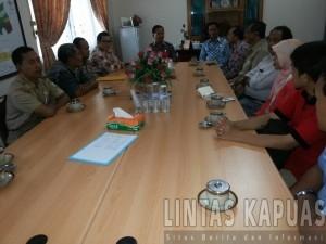 Rapat koordinasi penanganan rabies Dikabupaten Melawi