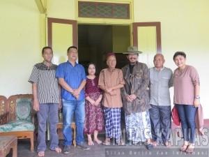 Budayawan, Sudjiwo Tedjo Kuncungi Keraton Al-Mukarrahmah Kesultanan Sintang