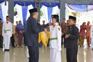 Pengukuhan Anggota Paskibraka 2016 oleh Bupati Sintang