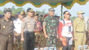 Upacara Keberangkatan Tim Pengibar Bendera yang di Pimpin oleh Danrem 121ABW Sintang