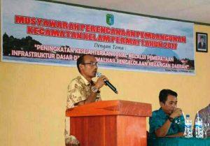 Sambutan Ketua Komisi I DPRD Sintang, Syahroni dalam Kegiatan Musrembang Kecamatan Kelam Permai
